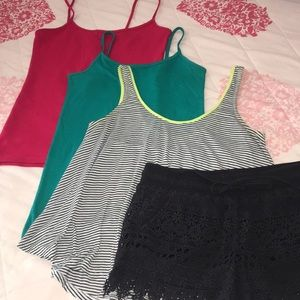 Bundle of 4 Items Women's Size Small